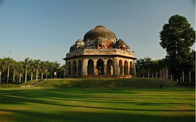 Tomb-Lodi-Gardens